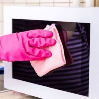 How to clean a microwave without toxic chemicals