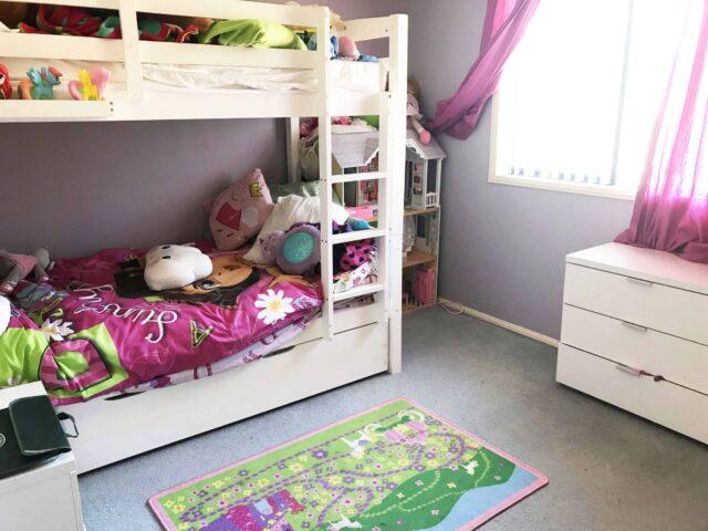 kids bedroom declutter