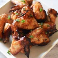 air fryer fish sauce chicken wings on plate