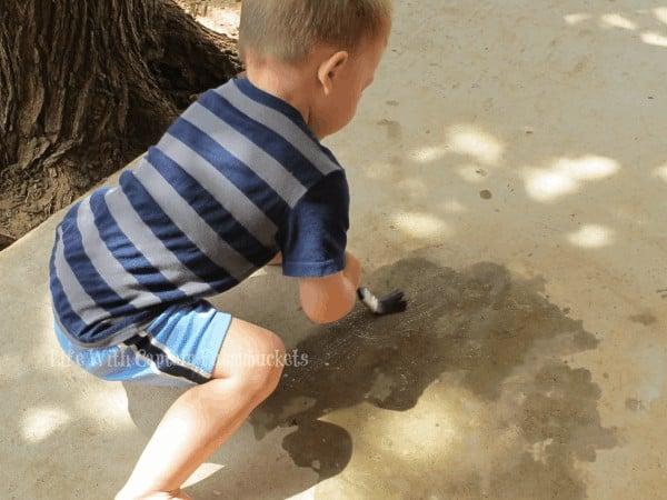 Water play activities for preschoolers