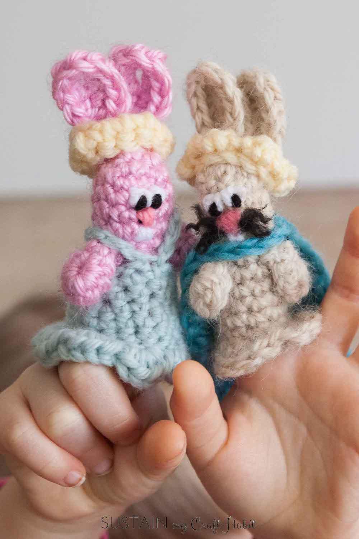 Crochet finger puppet bunnies