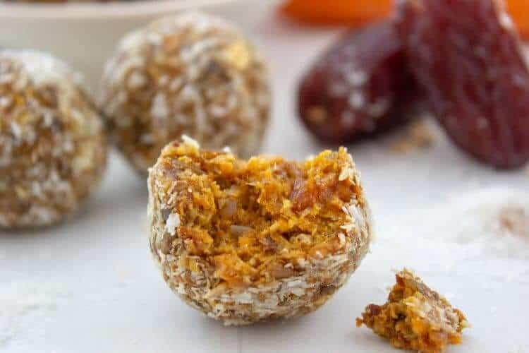 Carrot cake bliss ball