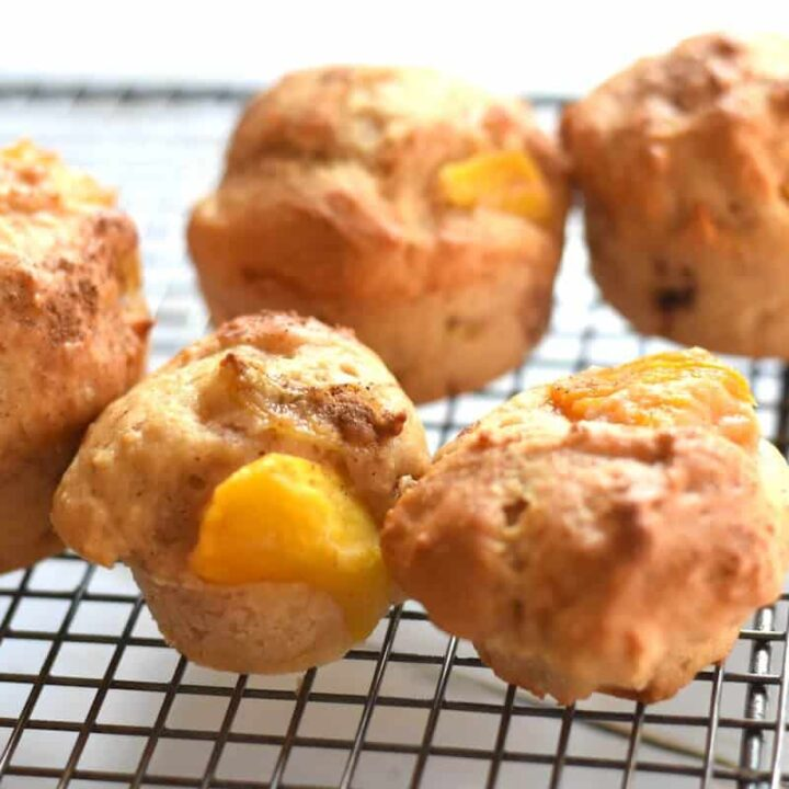 Mango muffins with greek yogurt