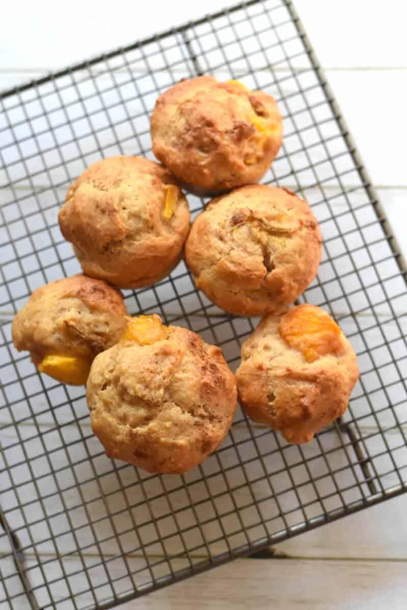 Mango banana yoghurt muffins