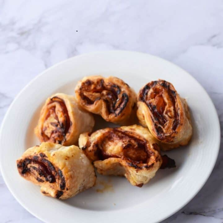 Air fryer pizza rolls puff pastry (15)
