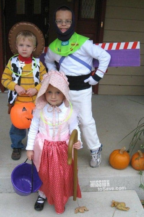Toy story costumes DIY Buzz