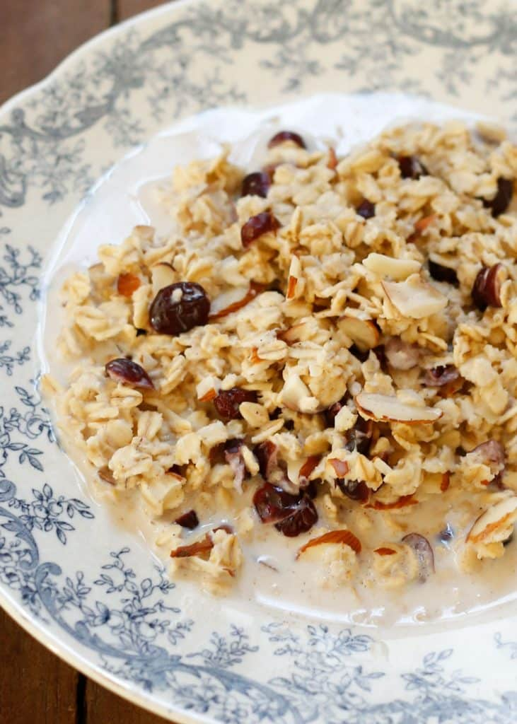 Slow cooker cranberry oatmeal