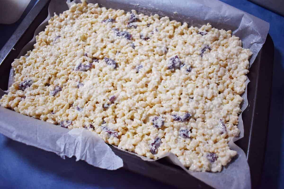 White chocolate rice krispie treat