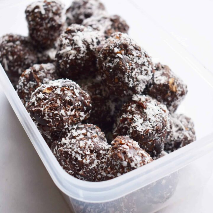 Nut free cacao bliss balls with coconut