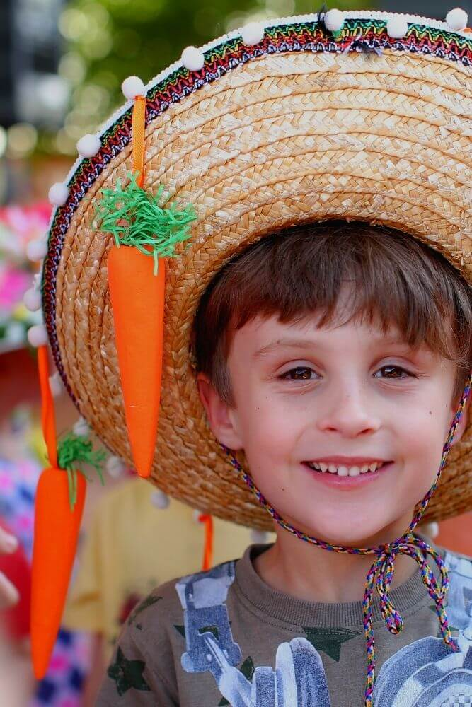 Simple easter hat for boys
