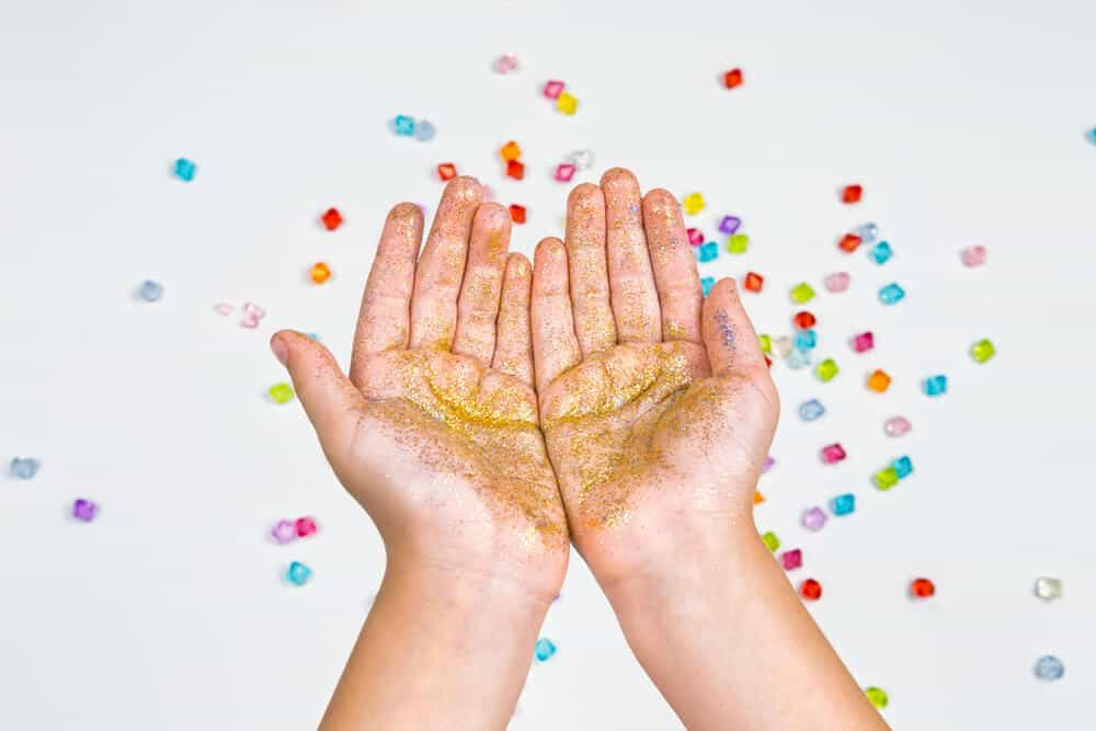 Teaching kids about germs with glitter