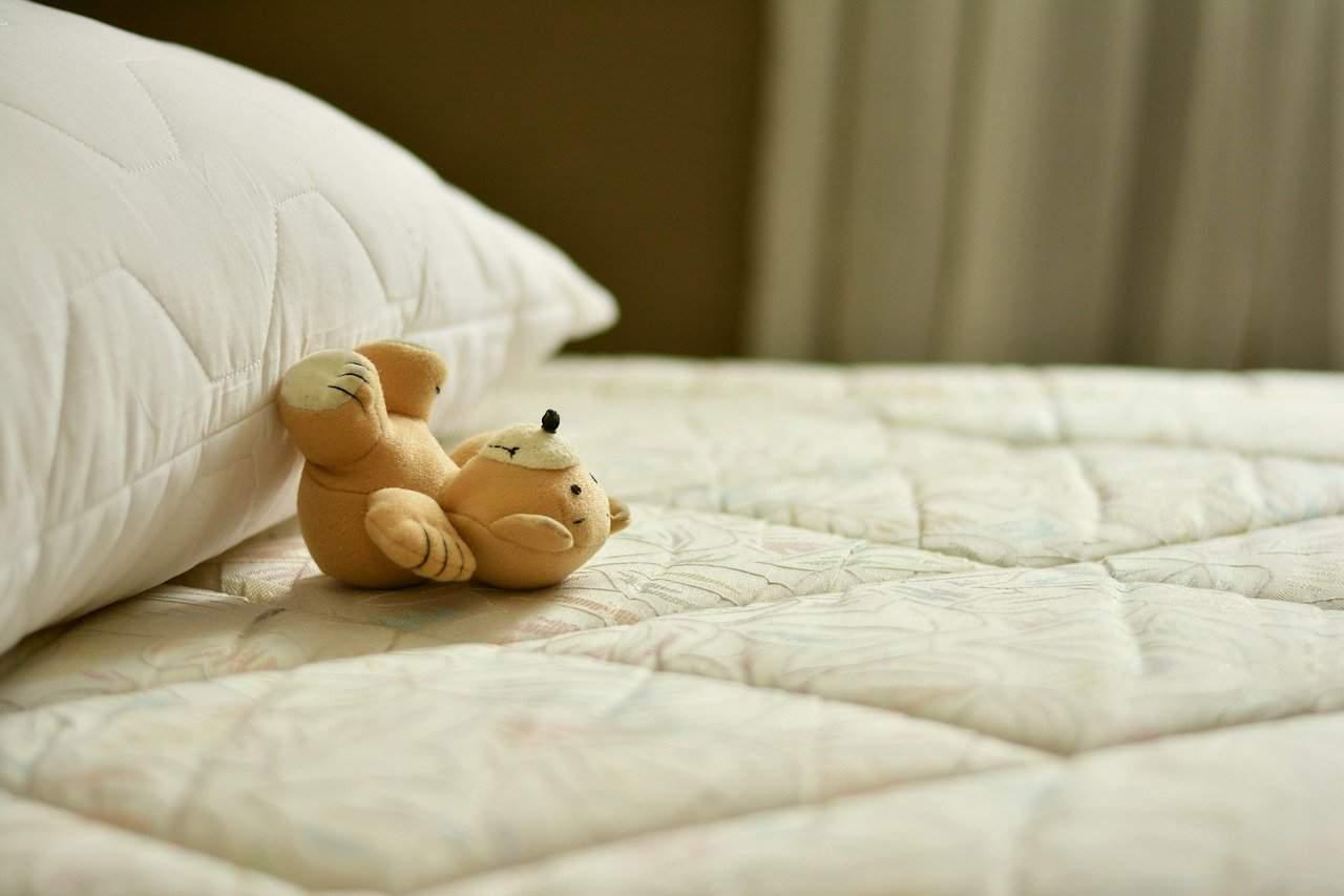 mattress, bed, pillow