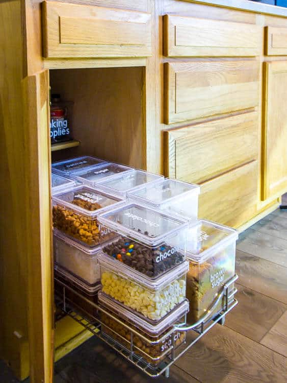 Slide out pantry shelf