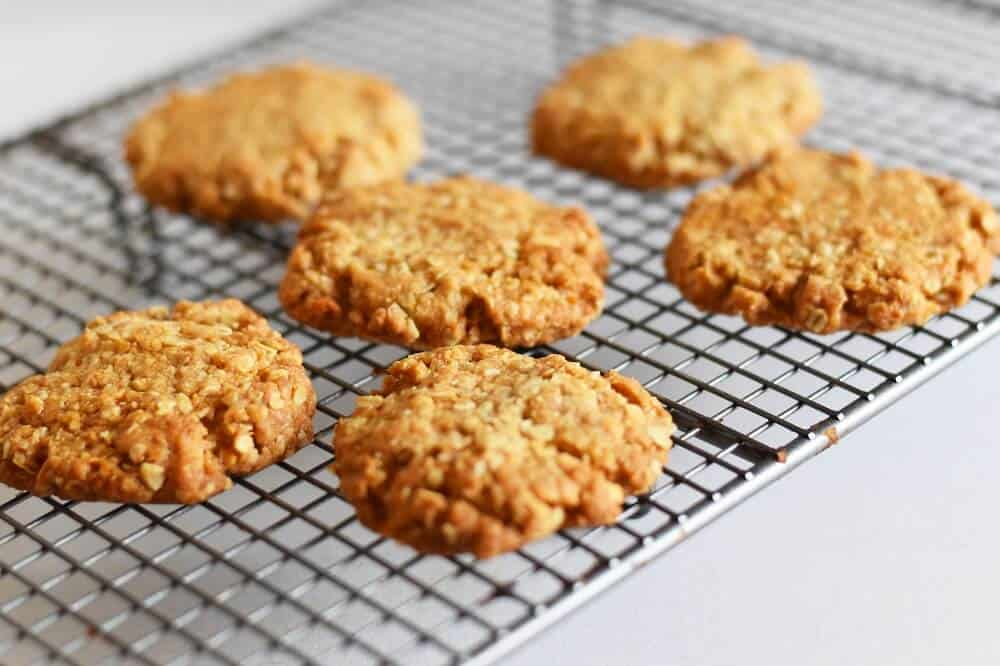 Easy ANZAC biscuits recipe