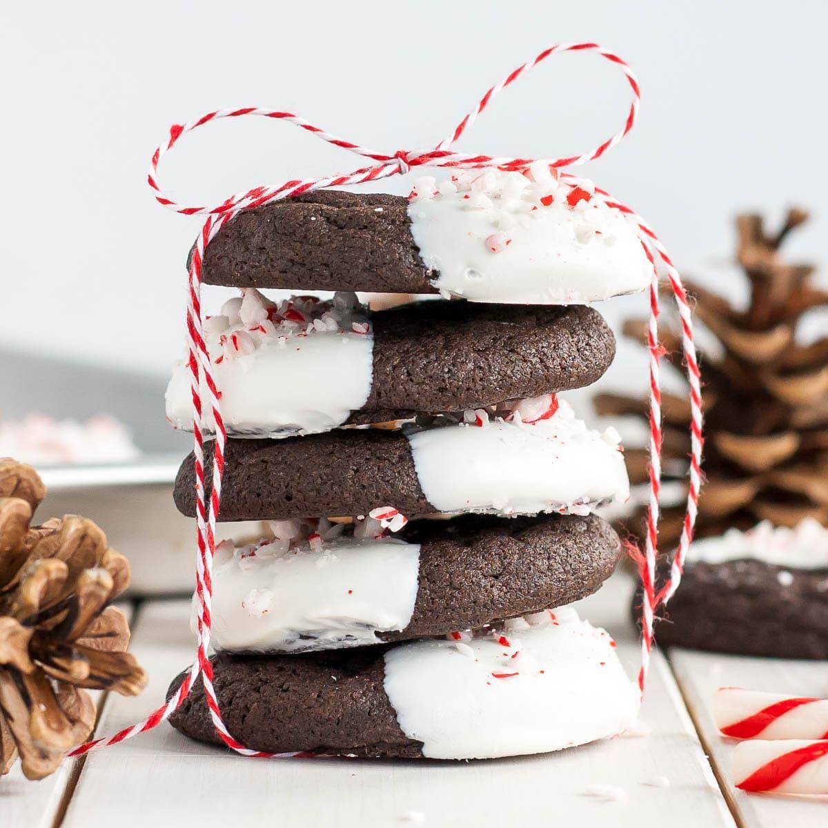 Dark chocolate candy cane cookies thumb