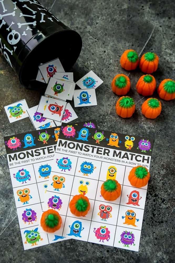 Halloween bingo - halloween party games