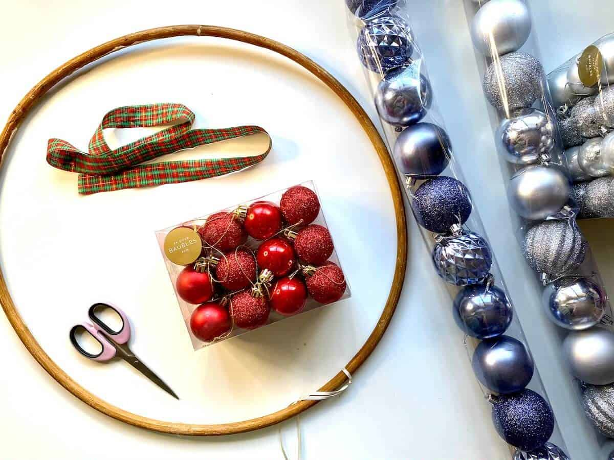 How to make a diy ornament wreath