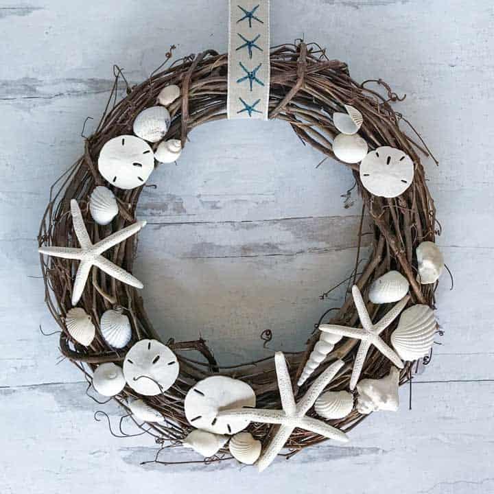 Diy seashell wreath coastal wandering sq1 no-glue diy bauble christmas wreath tutorial + more diy wreath ideas
