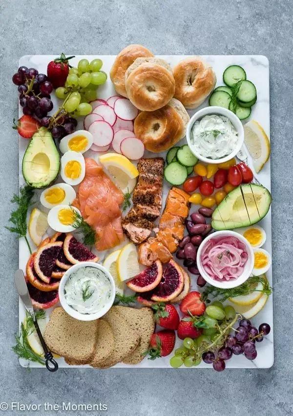 Smoked salmon breakfast platter