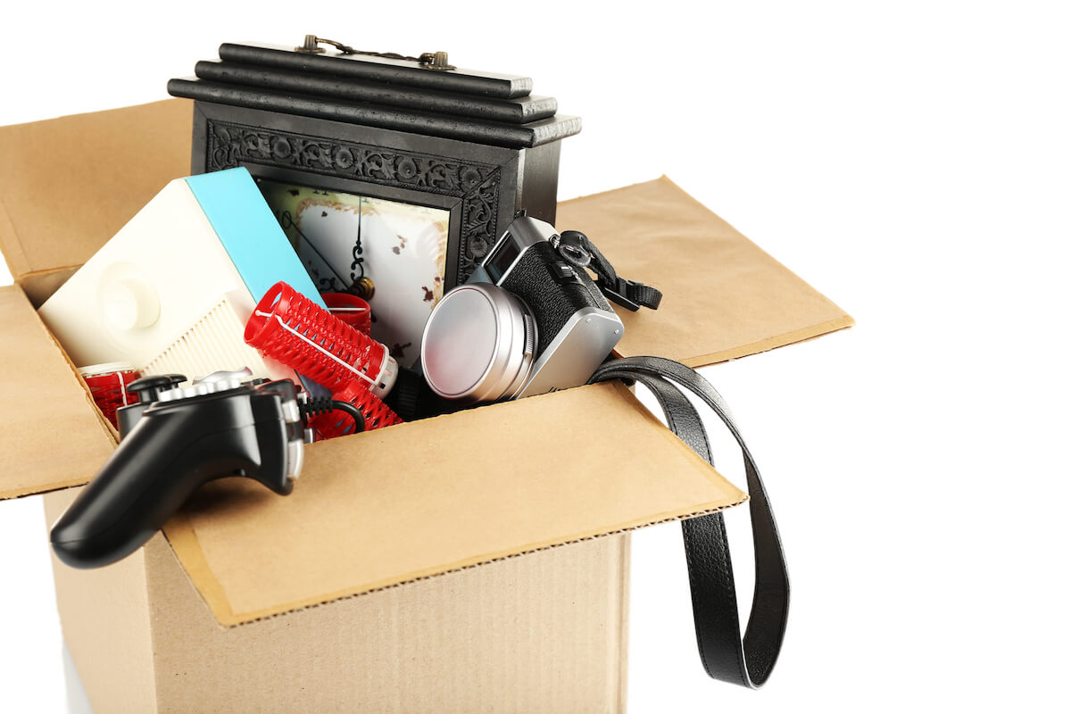 Things to throw away declutter