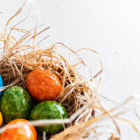 easter decorating ideas eggs in nest