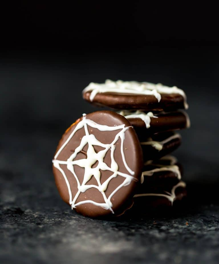 Ritz spiders1 768x923 1 50 easy halloween party finger foods, treats & appetiser ideas