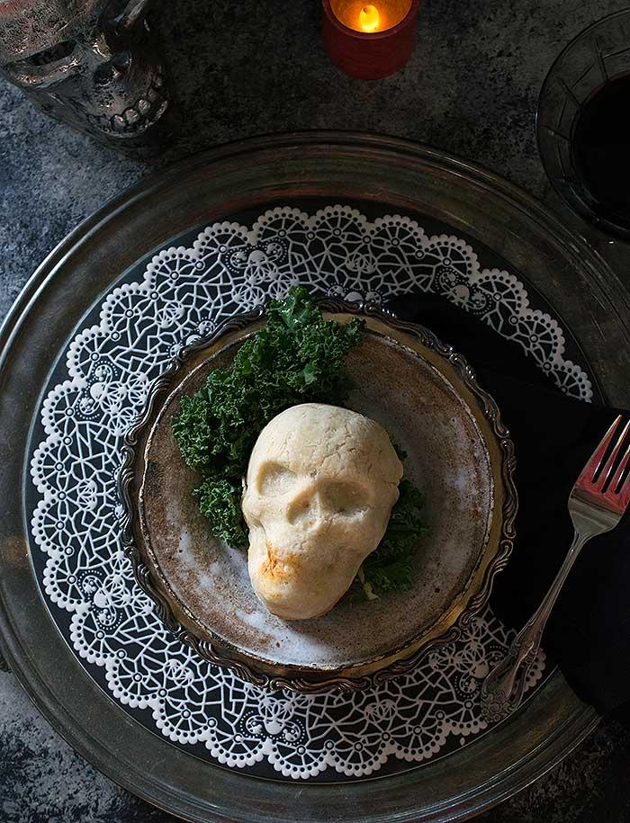 Skull pot pies