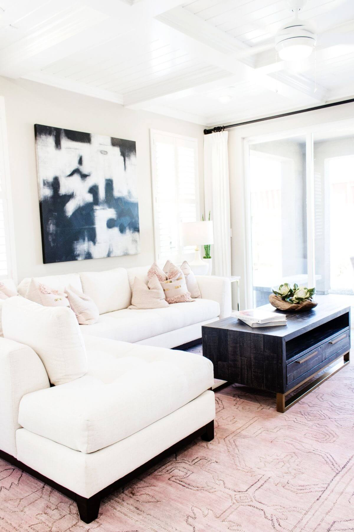 Tidy living room without clutter