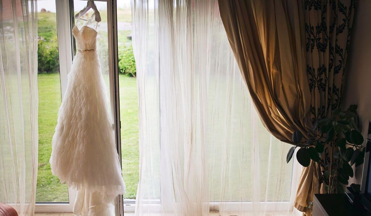 How to declutter sentimental items wedding dress